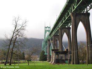 st_johns_bridge_cathedral_park_2006.jpg
